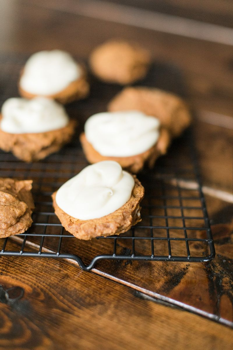 Pumpkin Whoopie Cookies with filling